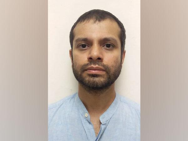 Accused Makarand Pardeep Adivirkar