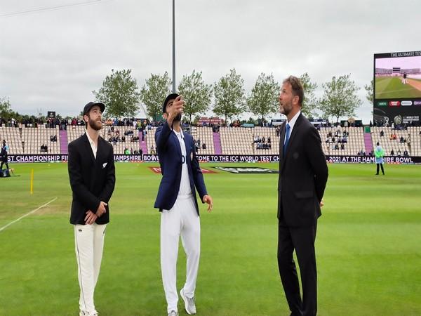 Kane Williamson and Virat Kohli during the toss on Saturday. (Photo: Twitter/BCCI)