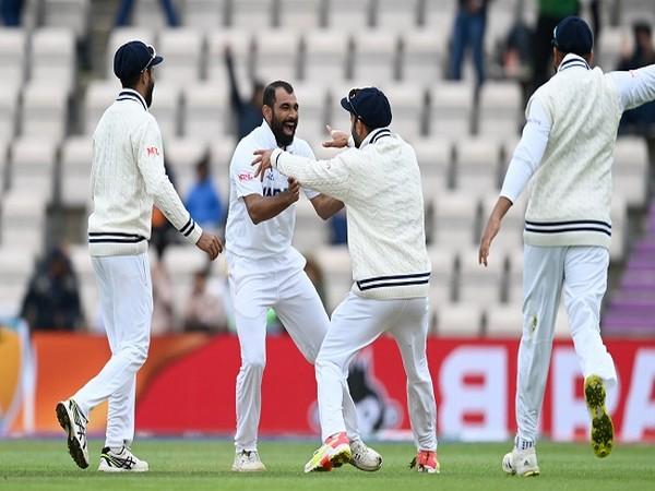 Indian skipper Virat Kohli celebrates with Mohammed Shami. (Photo: BCCI)