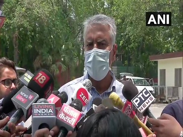 Sunil Jakhar speaking to reporters in Delhi on Wednesday. [Photo/ANI]