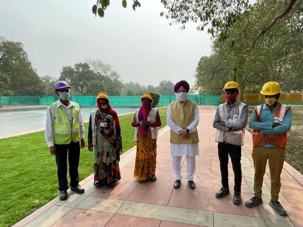 Hardeep Singh Puri during his visit to the site (Photo Credit: Hardeep Singh Puri Twitter)