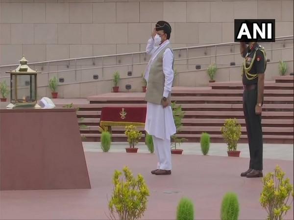 Mos for Defence Ajay Bhatt at National War Memorial