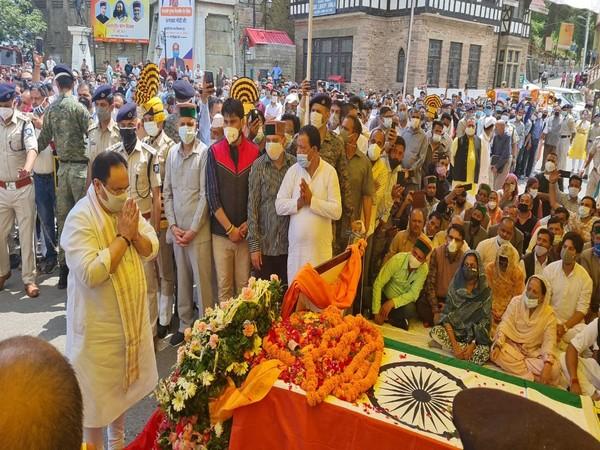 JP paying tribute to Virbhadra Singh in Shimla (Photo/ANI)