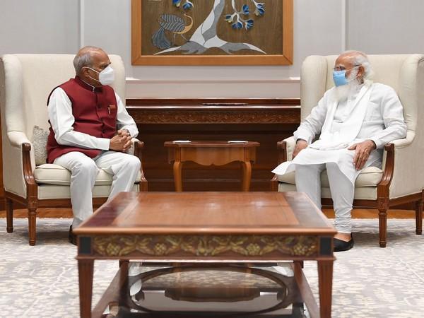 Tamil Nadu Governor with PM Modi