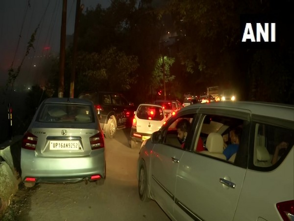 Visual of traffic on roads of Mussoorie (Photo/ANI)