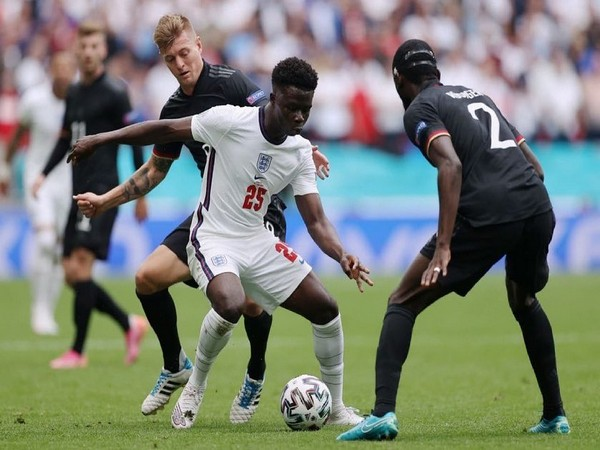 Bukayo Saka palying against Germany in Euro 2020 (Photo: Twitter/Bukayo Saka)
