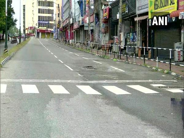 Deserted streets in Thiruvananthapuram. (Photo/ANI)