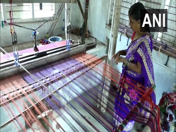 Weaving of Kandangi saree (Photo/ANI)