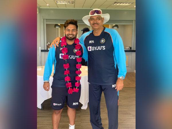 Rishabh Pant with head coach Ravi Shastri. (Photo/ Rishabh Pant twitter)