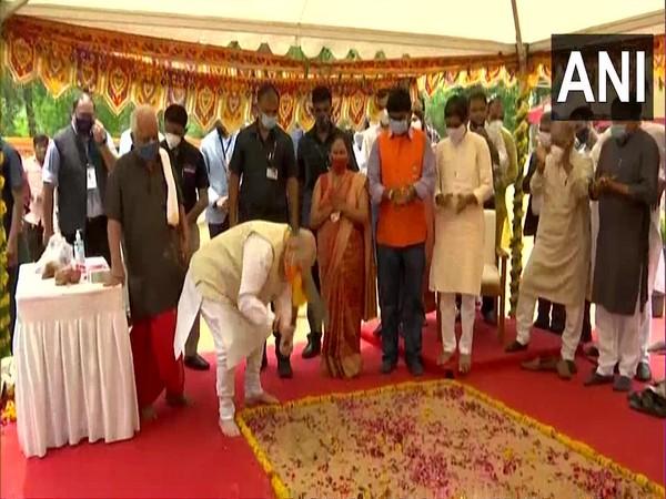 Home Minister Amit Shah inaugurating developmental project in Gujarat (Photo/ANI)