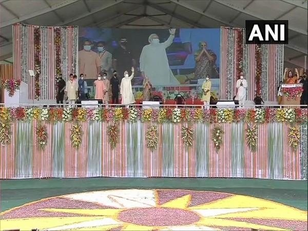 Prime Minister Narendra Modi arrives at Banaras Hindu University (BHU) ground in Varanasi on Thursday. [Photo/ANI]