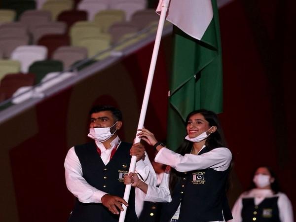Pakistan Olympic team flag bearers (Image: Quetta Gladiators')