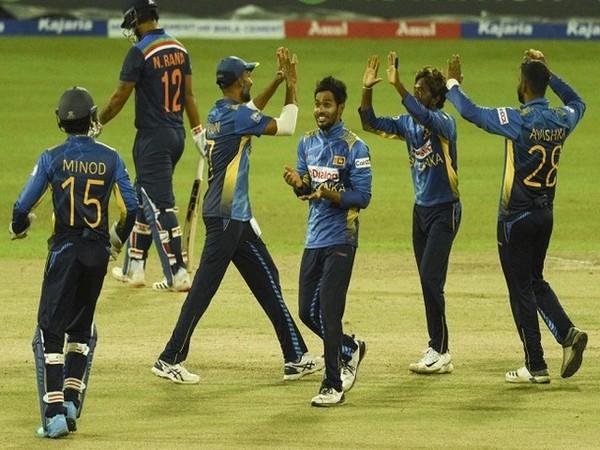 Sri Lanka team in action in 3rd ODI (Image: ICC)