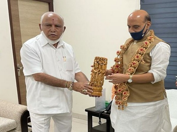Karnataka chief minister BS Yediyurappa and defence minister Rajnath Singh. (Photo: Twitter @BSYBJP)