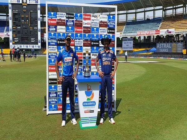 Dasun Shanaka and Shikhar Dhawan (Photo/ BCCI Twitter)