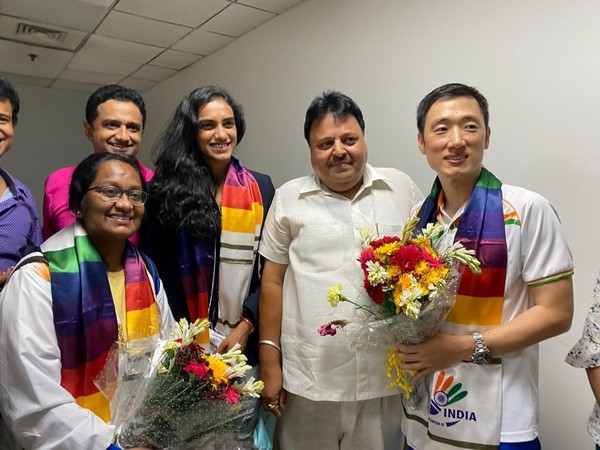 Sindhu and her coach Park Tae-Sang were welcomed by the general secretary of BAI