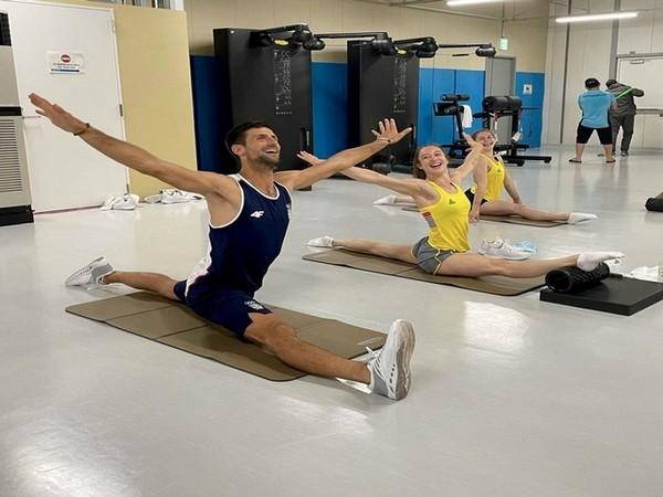 Novak Djokovic with Nina Derwael and Maellyse Brassart (Photo: Twitter/Novak Djokovic)