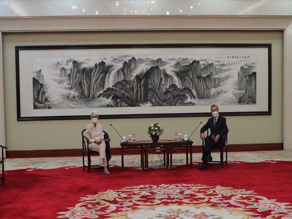 US Deputy Secretary of State Wendy Sherman met with Chinese Foreign Minister Wang Yi (Photo Credit: Twitter)