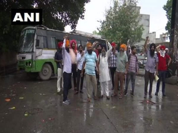 Punjab roadways contractual staffers protest against govt (Photo/ANI)