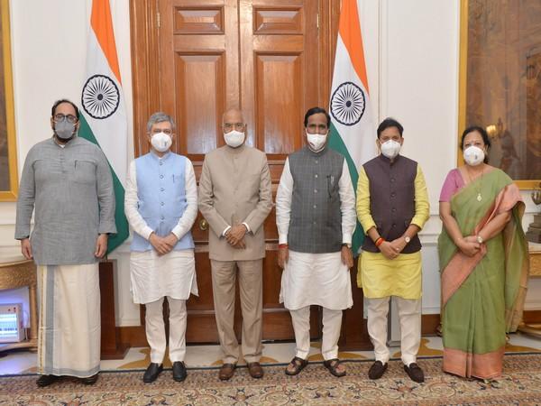 Union Ministers with President Ram Nath Kovind (Photo/ANI)