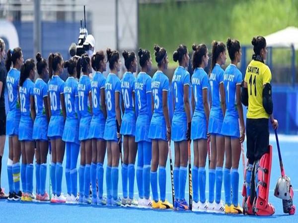 India women's hockey team (Photo/ Smriti Irani Twitter)