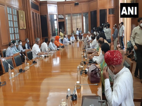 Parliament: Rajasthan MPs hold discussions on various developmental projects