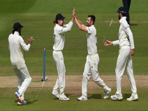 England celebrate after taking KL Rahul's wicket (Photo/ ICC Twitter)