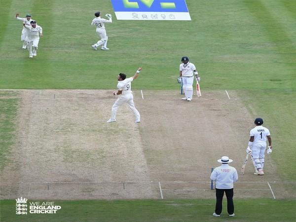James Anderson celebrates after dismissing Virat Kohli. (Photo/ England Cricket twitter)