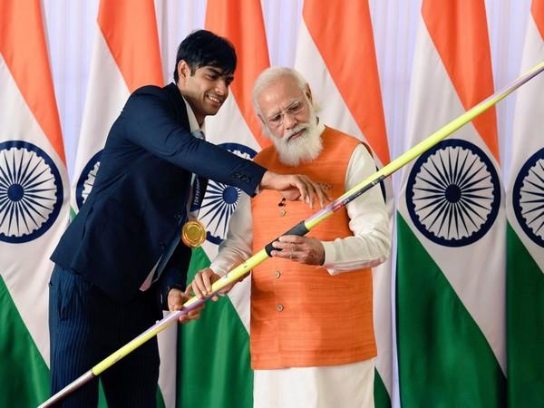 Neeraj Chopra and PM Narendra Modi (Photo: Twitter/Neeraj Chopra)