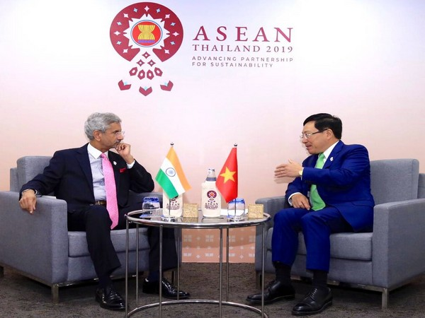 External Affair Minister S. Jaishankar with his Vietnam counterpart Pham Bing Minh in Bangkok