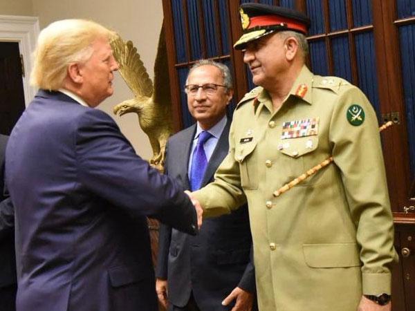 US President Donald Trump shakes hand Pakistan Army Chief General Qamar Jawed Bajwa