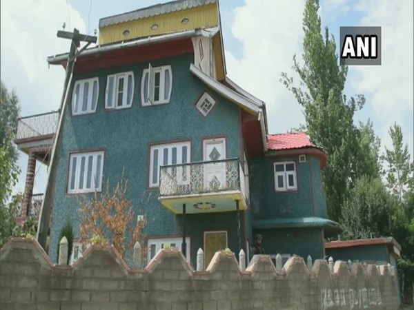 NIA carried out raid  at the residence of a businessman Ghulam Ahmad Wani in Pulwama. Photo/ANI