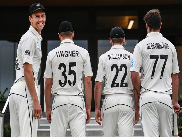 New Zealand cricketers with names and numbers on their Test jerseys (Photo/BlackCaps Twitter)