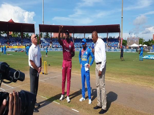 Carlos Brathwaite and Virat Kohli at toss