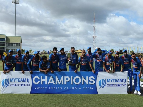 Team India after winning T20Is (Photo/BCCI Twitter)