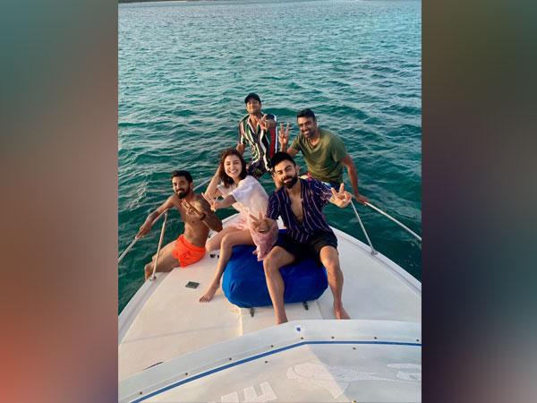 KL Rahul along with Virat Kohli, Anushka Sharma, Mayank Agarwal and Ravichandran Ashwin (Photo/ KL Rahul Twitter)