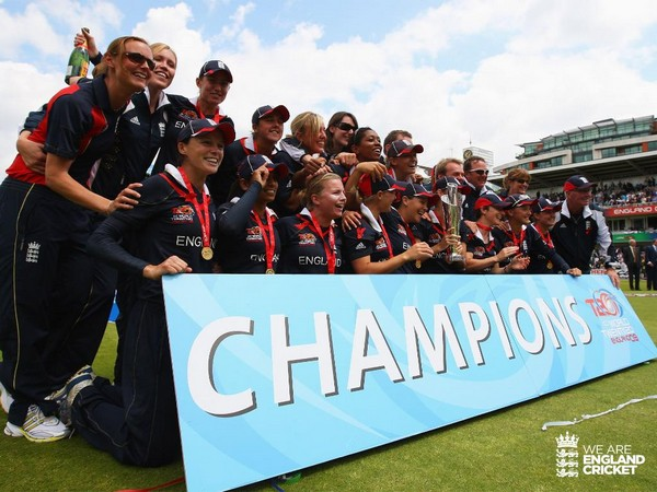 England women team with the 2009 ICC T20 World Cup trophy (Photo/England Cricket Twitter)