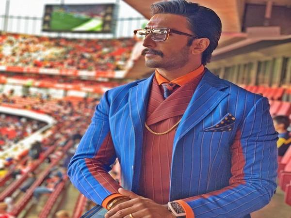 Ranveer Singh supporting Arsenal at Emirates Stadium (Photo/ Ranveer Singh Twitter)