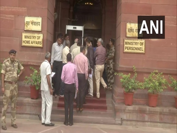 A delegation of Jammu and Kashmir Panchayat Association arrives at Ministry of Home Affairs to meet Union Home Minister Amit Shah. Photo/ANI