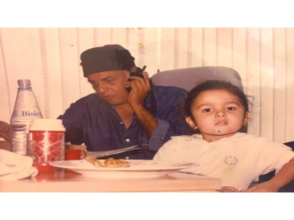 Mahesh Bhatt with Alia Bhatt (Image Courtesy: Twitter)