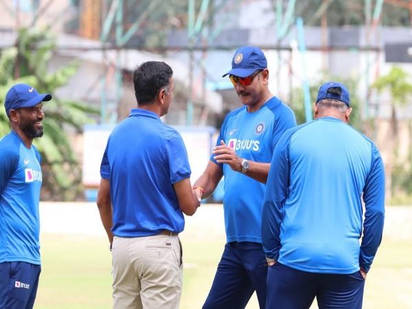 Ravi Shastri with Rahul Dravid and R Sridhar (Photo/ Shastri's Twitter)