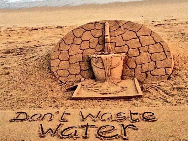 Water conservation message in Sudarsan Pattnaik sand art [Photo/Twitter]