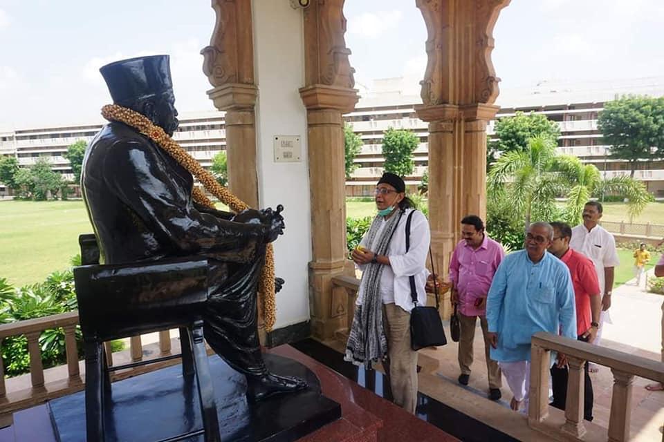 Maharashtra: Veteran Actor Mithun Chakraborty visited RSS headquarters in Nagpur.