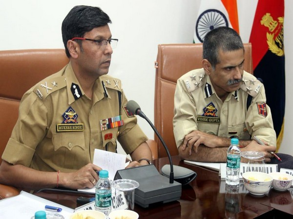 IG, Jammu Zone, Mukesh Singh presided over the meeting of Jammu based Police officers to discuss security arrangements.