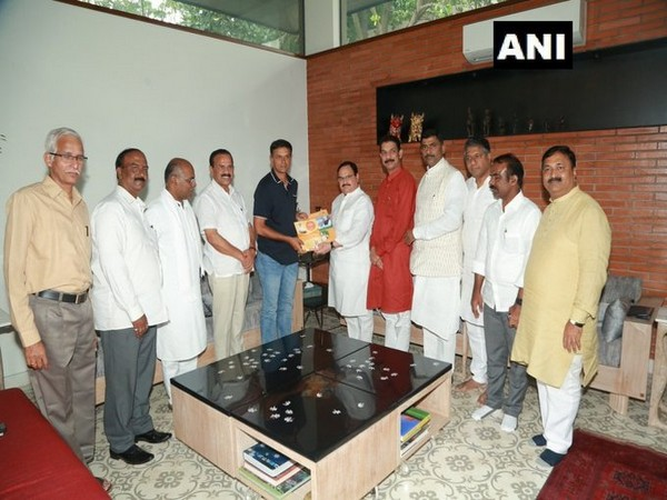 BJP working president JP Nadda met Rahul Dravid at his residence in Bengaluru on Sunday. Photo/ANI