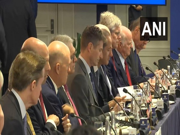 Prime Minister Narendra Modi interacts with top American business leaders in New York. Photo/ANI