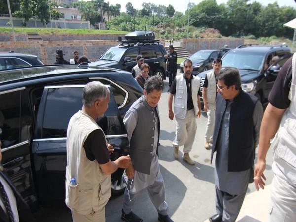 Pakistan Prime Minister Imran Khan reached PoK (Pak PM Twoitter)