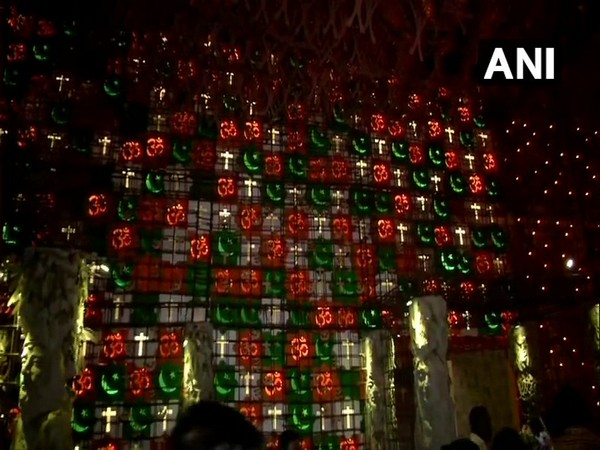 West Bengal: Kolkata's Beliaghata 33 Pally #Durga puja pandal promotes the message of communal harmony. Photo/ANI
