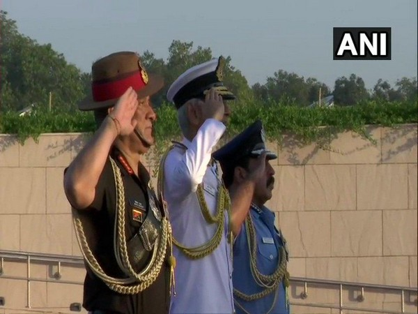 Delhi: Army Chief Bipin Rawat, IAF Chief, RKS Bhadauria and Navy Chief, Admiral Karambir Singh, pay tributes at National War Memorial on