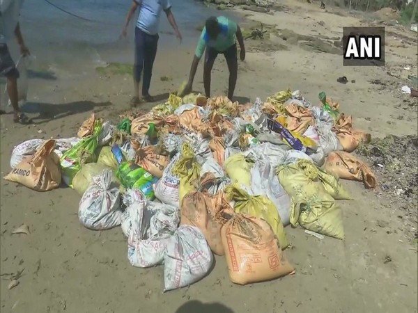 A team of forest rangers seize sea cucumber worth Rs 3 crore on Sunday. Photo/ANI